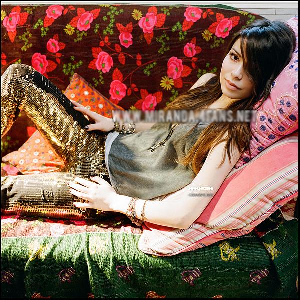 • 15/03/11 - Miranda Tay' Cosgrove a été aperçue, arrivant à l'Aéroport LAX de la ville de Los Angeles. • Découvrez des nouvelles photos du nouvel album de Mir' Cosgrove, qui s'intitule « High Maintenance ». • Vous pouvez aussi voir deux nouvelles vidéos de « Dancing Crazy with Miranda Cosgrove » & « Icarly ».