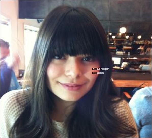 . Découvrer une photot personnelle de Miranda qu'elle a poster sur son Twitter. .