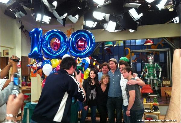 Miranda et le cast d'Icarly fêtais le 100 ème episode d'Icarly