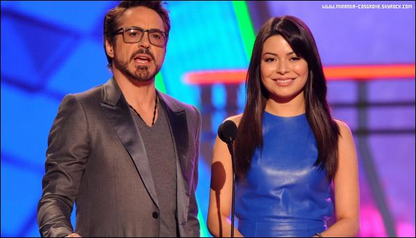 . Miranda (qui d'ailleur est sublime) s'est rendu aux Kids Choice Award 2012.