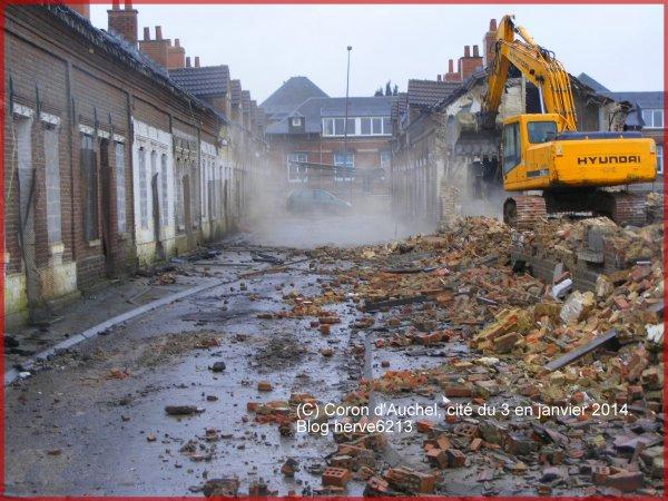 Destruction du coron d'Auchel (Cité du 3) en janvier 2014