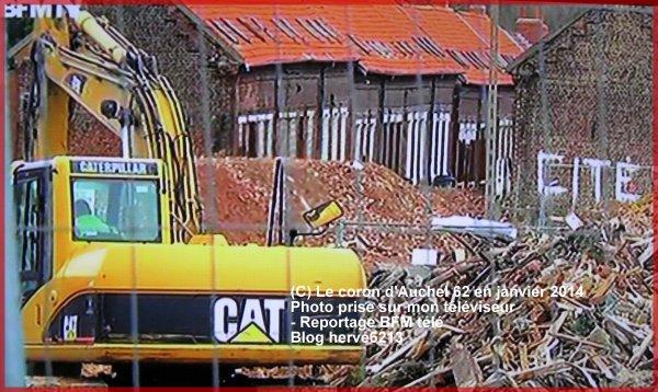Destruction de la cité du 3 d'Auchel, en janvier 2014