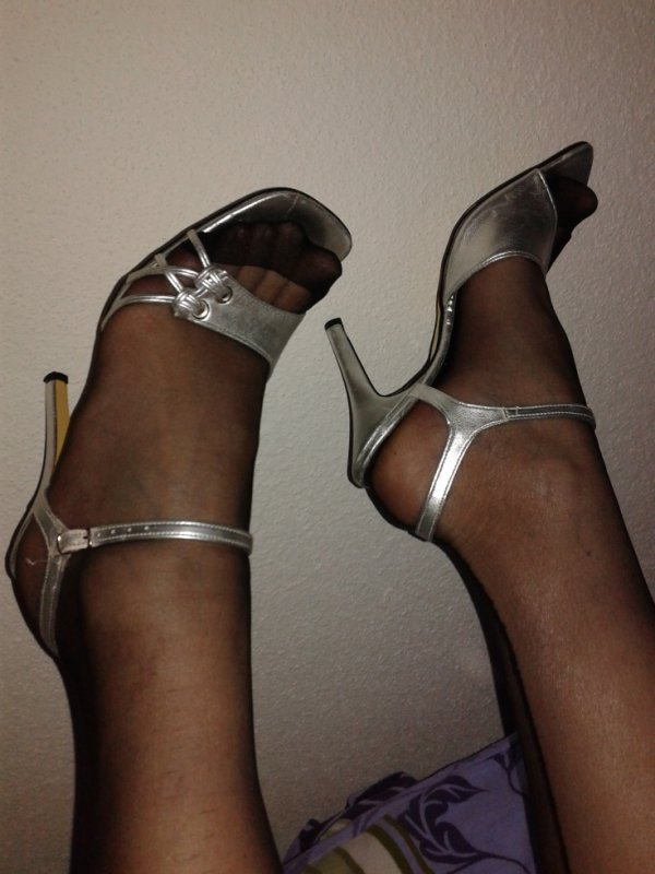 pieds et chaussurres de ma femme