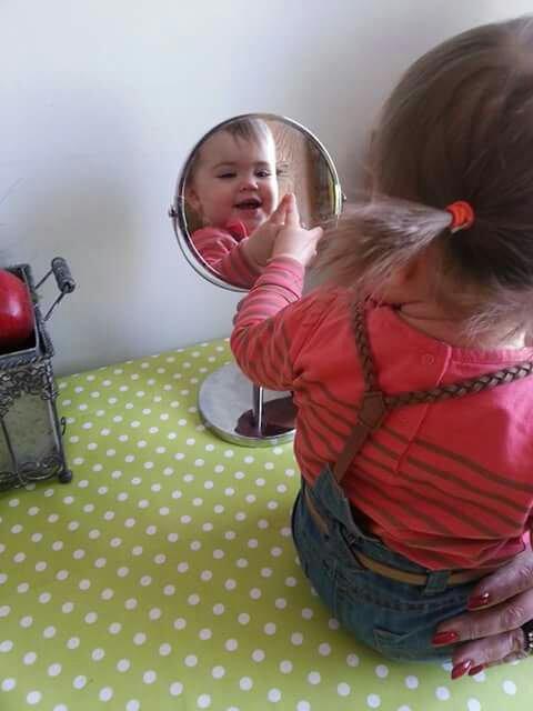 Miroir miroir qui est la plus belle mdrrr :')