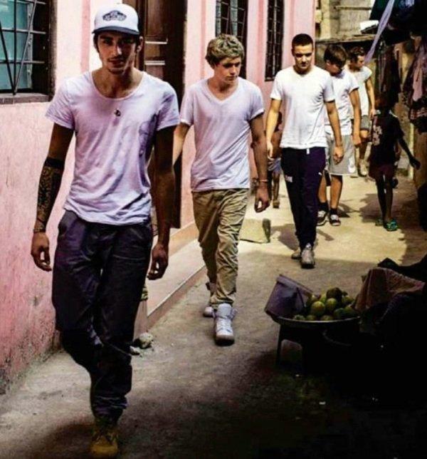 Les 1D dans les rues du Ghana