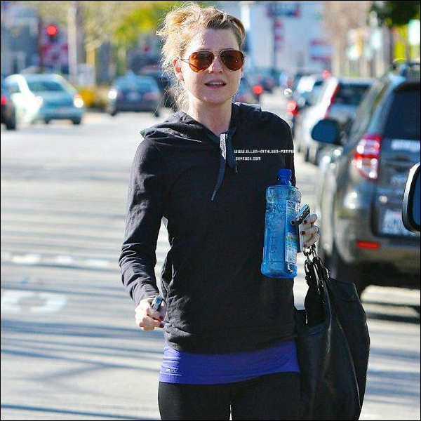 Le 02 Janvier 2012 - Ellen quittant son club de Gym, à Los Angeles.
