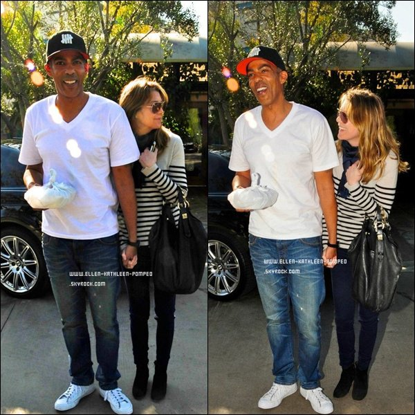 """Le 04 Février 2012 - Ellen et son mari Chris Ivery tout heureux quittant le restaurant """"Ago"""", à Los Angeles."""