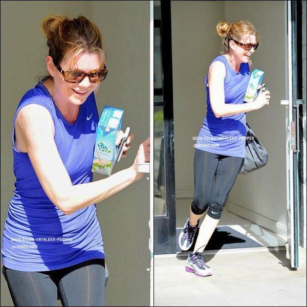 Le 31 Janvier 2012 - Ellen toute souriante et en courant quittant une salle de gym à Los Angeles.
