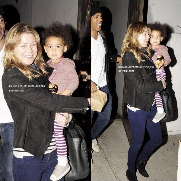 Le 03 Février 2012 - La famille Pompeo-Ivery au complet et tout beau quittant un restaurant après y voir mangé, à Los Angeles.