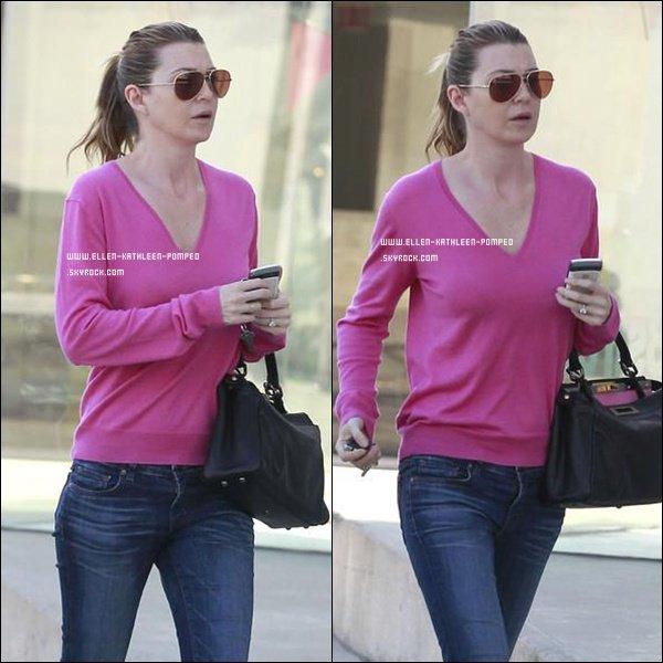 Le 10 Février 2012 - Ellen quittant son cours de pilate à Los Angeles.