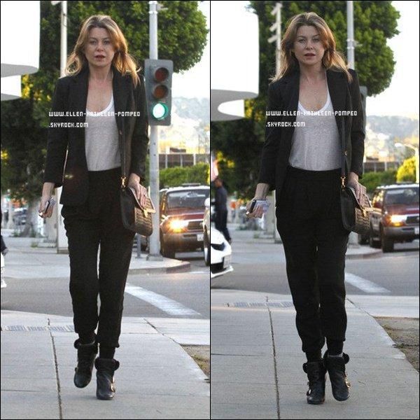 Le 16 Février 2012 - Ellen toute belle et pas maquillée quittant un cabinet médical à Los Angeles.