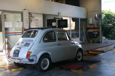 controle technique ancienne fiat 500 de cl flo toulouse restaurat. Black Bedroom Furniture Sets. Home Design Ideas