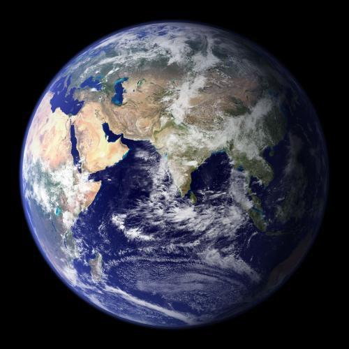 Marre de cette société de consommation à la con, tous cours après l'argent et le pouvoir, j'emménagerai bien sur la lune, histoire de tout reprendre à zéro, et je regarderai de loin la planète bleue en me disant 'mais pourquoi ont-ils tout salis?'.