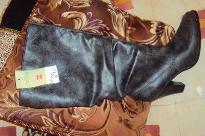 Bottes neuf de couleur Noir Grisâtre