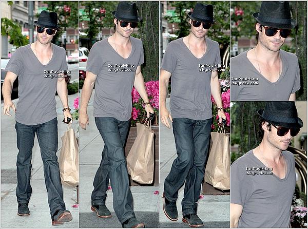 13/05 : Nina a été vu avec sa mère dans les rues de New York City.