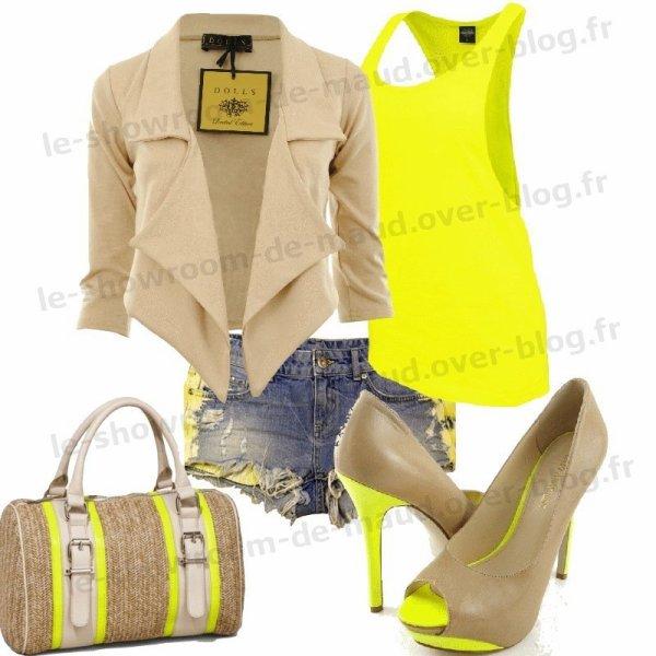 tenue jaune