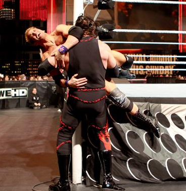 Zack Ryder vs Kane dans un Falls Count Anywhere Match