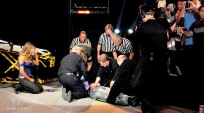 La fin de Raw du 13/02/12 - avec John Cena, Zack Ryder, Kane et Eve