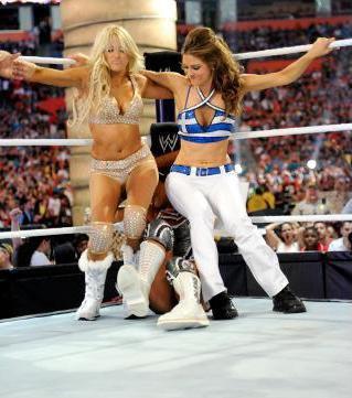 Kelly Kelly & Maria Menounos vs Beth Phoenix & Eve