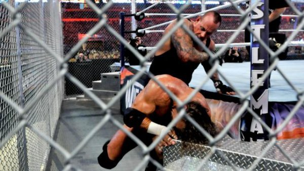 Triple H vs The Undertaker
