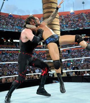 Randy Orton vs Kane