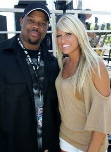 KELLY KELLY ET UN FAN