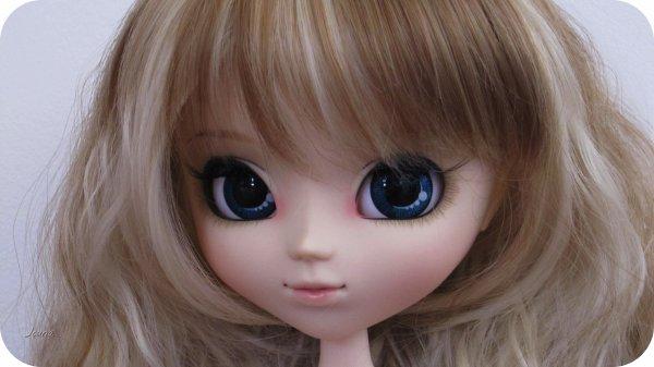 Petit avant goût d'April avec sa nouvelle wig ♥