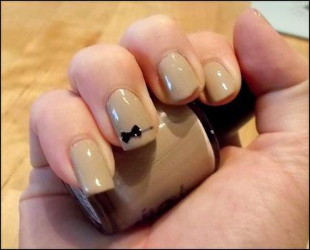 Ensemble nail art et tenue d 39 automne simple et jolie pour le coll ge i l ve your life - Nail art discret ...