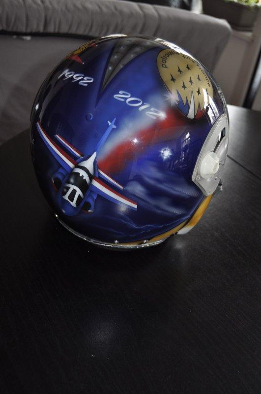 casque gueneau sur theme Ptrouille de France et Spa 162