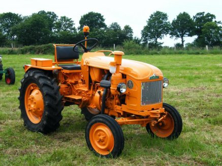 Tracteur vintage  2897408119_small_1