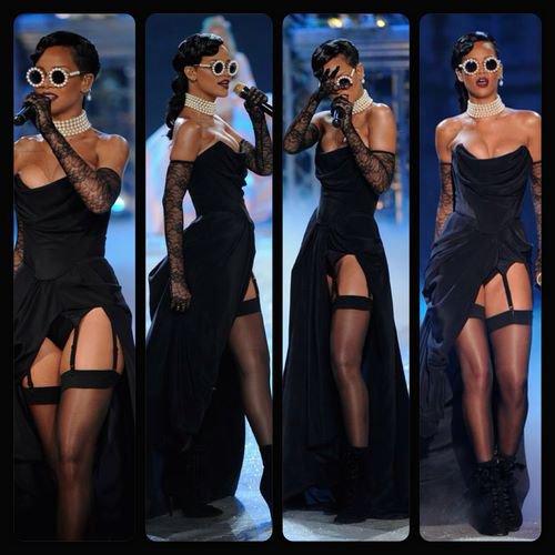 Drake featuring Rihanna take care                http://rihanna-actue.skyrock.com/