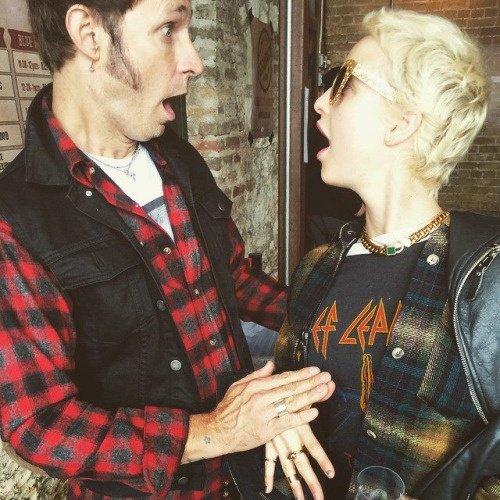 Mike et Britt ahahah leurs faces trop drôle
