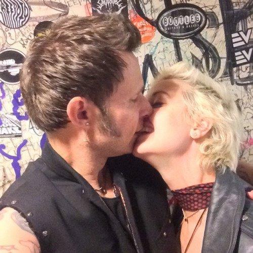 Mike et Britt toujours aussi cute ensemble <3