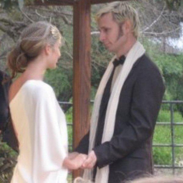 Mike et Britt trop cute je crois que ses le jours de leurs mariage