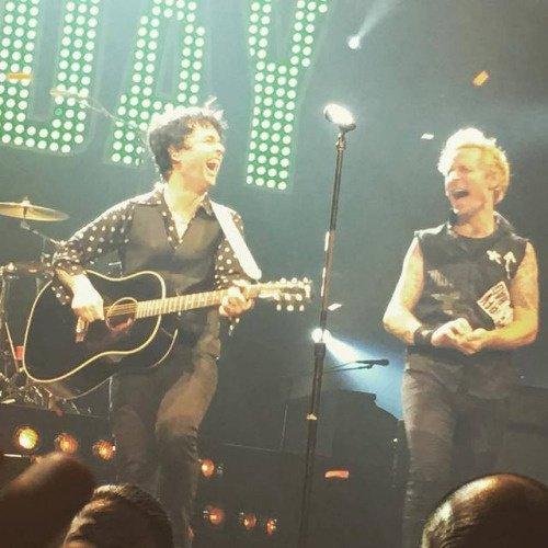 Mike et BJ en fou rire hihi