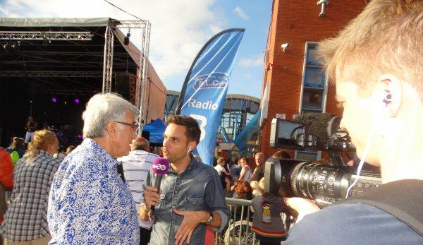 Caudry (F), Podium de la Radio BLC, 23 juin 2017, Interview de la télévision Wéo