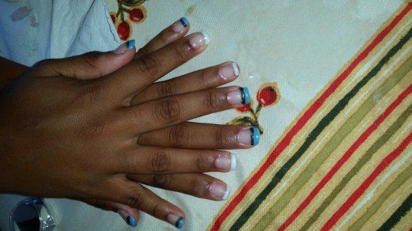 Cc les fille celle qui sont interéssé pour faire des manicure contacté moi par msg ...