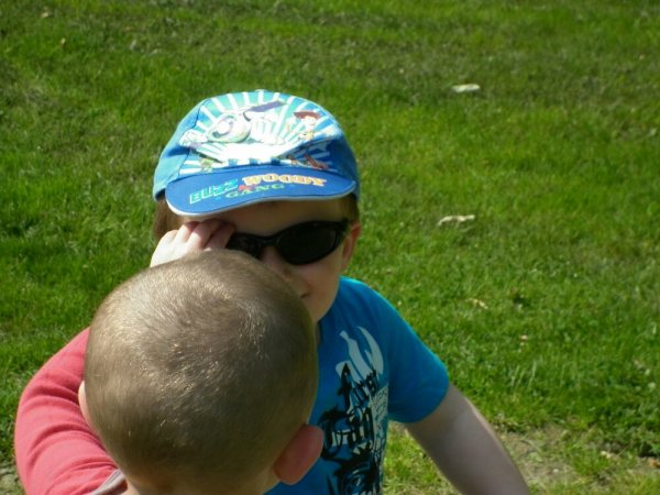 En chemin j'ai croisé un petit garçon, plutôt collant! :)