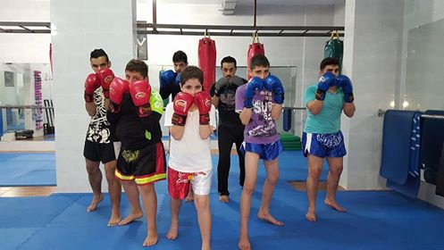moi et mes amis au gym (me and my freinds in gym)