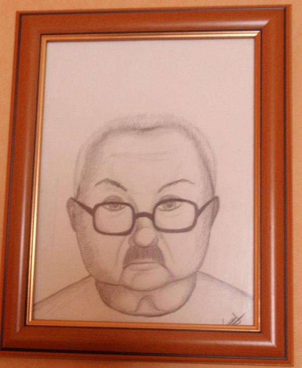 Portrait de mon père fait par ma gentille fille d'amour que j'aime a la folie..... pas du tout! mdr