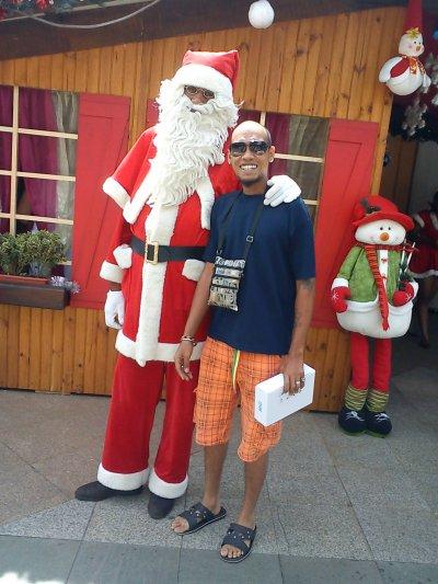 Joyeux Noel a tous la famille et amies.