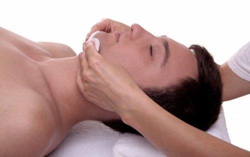 Les soins visages pour hommes (expliquations)