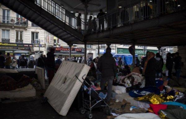 """Spécial """"Paris : Camp de migrants dans le 19e arrondissement"""" - Image n° 1/2 !..."""