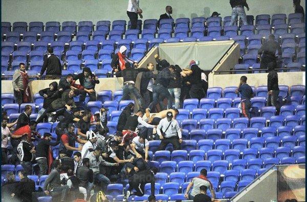 Lyon-Besiktas maintenu malgré les incidents, coup d'envoi donné avec 45 minutes de retard !...