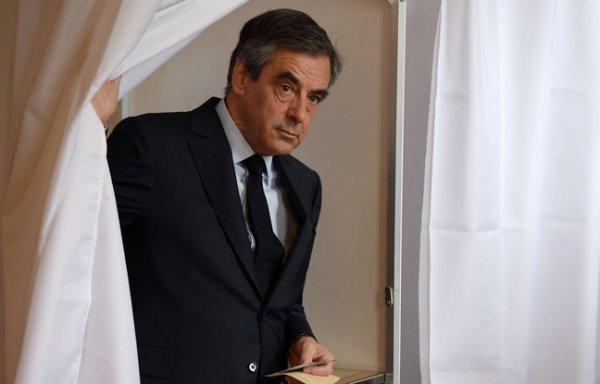 """Spécial """"François FILLON éliminé dès le premier tour..."""" - Image n° 1/2 !..."""