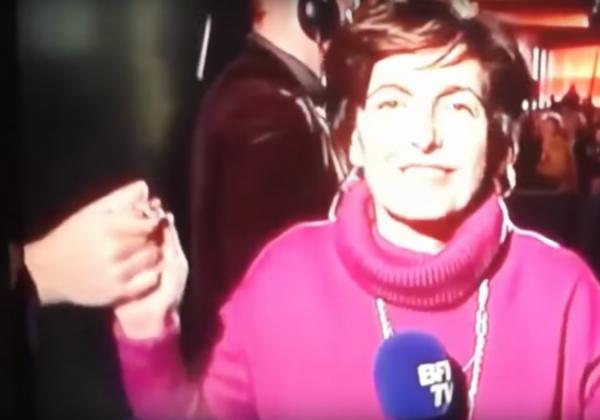 La poignée de main Elkrief/Macron fait polémique !...