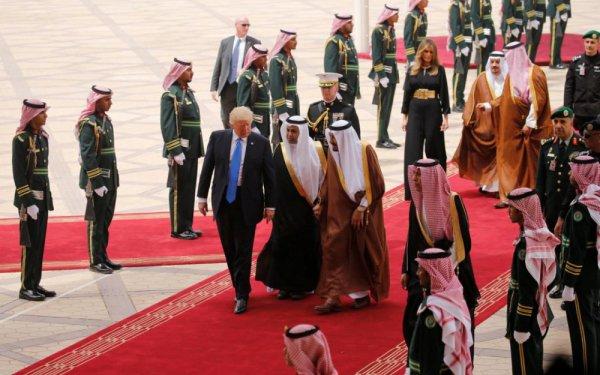 """Spécial """"Donald Trump et sa femme, en Arabie saoudite ..."""" - Image n° 1/2 !..."""