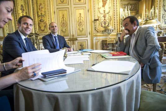 """Spécial """"Code du travail : Macron reçoit les organisations syndicales et patronales à l'Elysée..."""" - Image n° 1/2 !..."""