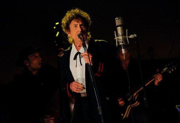 """Spécial """"Nobel de Littérature : quand Bob Dylan rend hommage à Buddy Holly..."""" - Image n° 1/2 !..."""