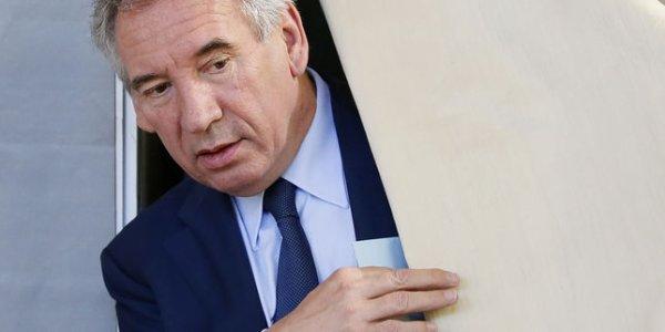 """Spécial """"Assistants parlementaires du MoDem : la secrétaire particulière de M. Bayrou dans le viseur..."""" - Image n° 1/2 !..."""